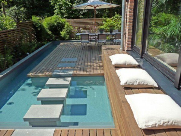 17-spectacular-narrow-swimming-pool-designs (1)