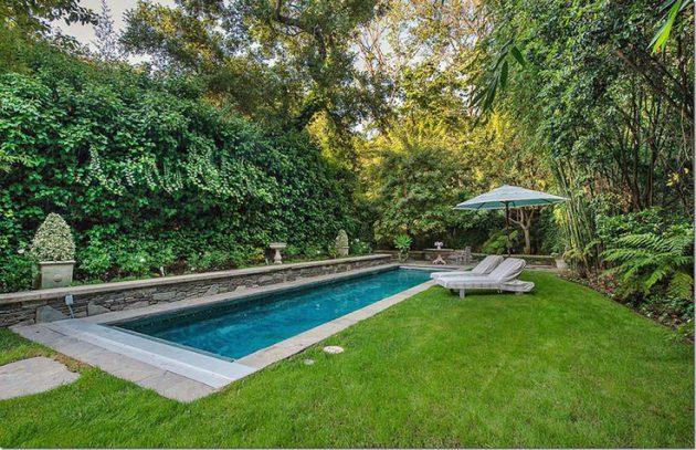 17-spectacular-narrow-swimming-pool-designs (7)