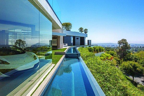 17-spectacular-narrow-swimming-pool-designs (9)