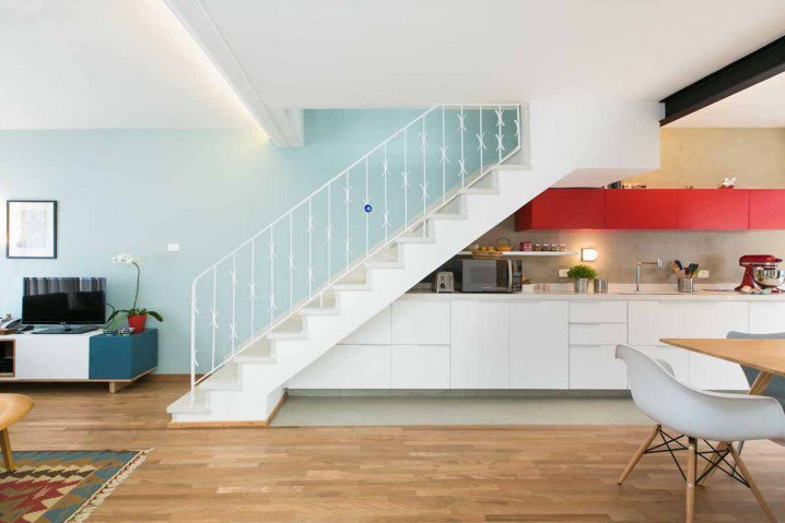 19 SPACE-SAVING UNDER STAIRS KITCHENS YOU NEED TO SEE (12)
