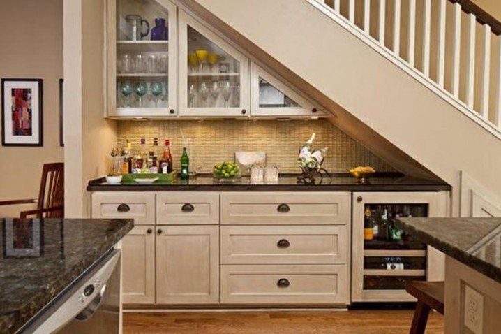 19 SPACE-SAVING UNDER STAIRS KITCHENS YOU NEED TO SEE (13)