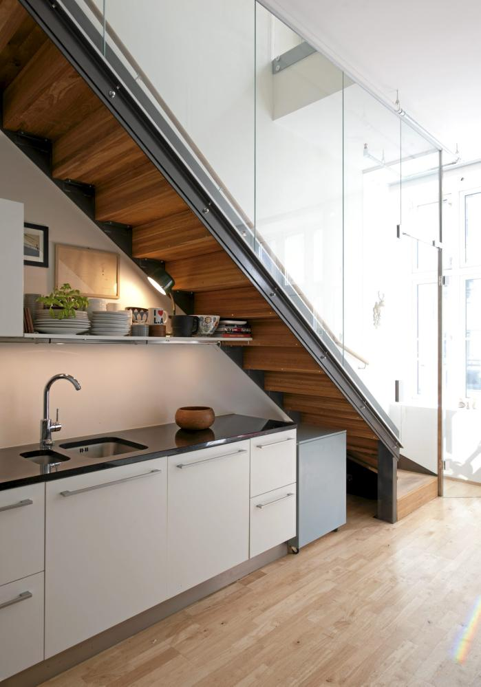 19 SPACE-SAVING UNDER STAIRS KITCHENS YOU NEED TO SEE (16)