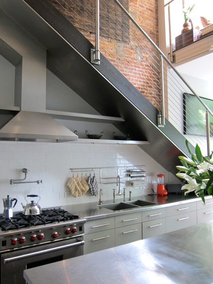 19 SPACE-SAVING UNDER STAIRS KITCHENS YOU NEED TO SEE (6)