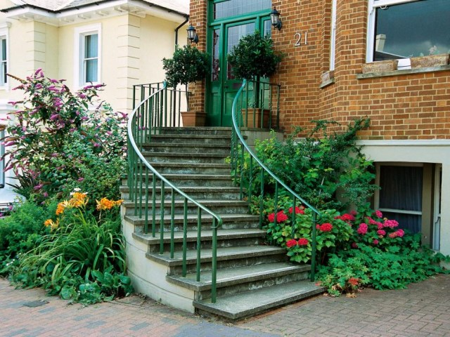 19-design-ideas-for-landscaping-stairs (5)