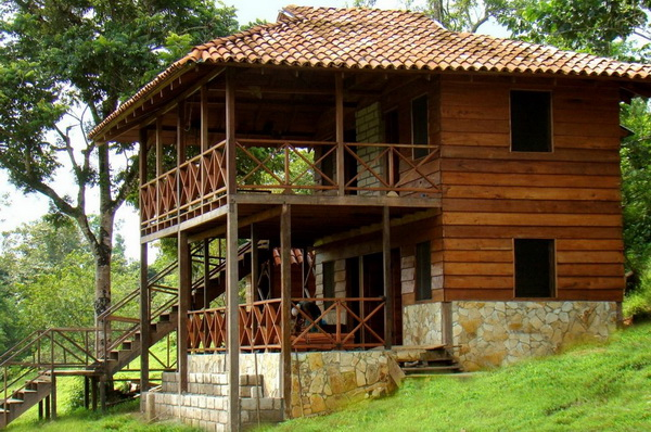 2 storey wooden wide patio house (2)