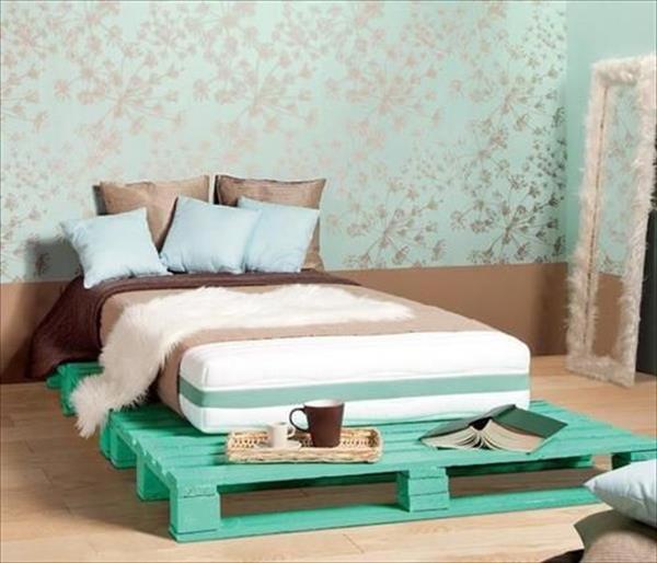 23-diy-pallet-bed-designs (12)
