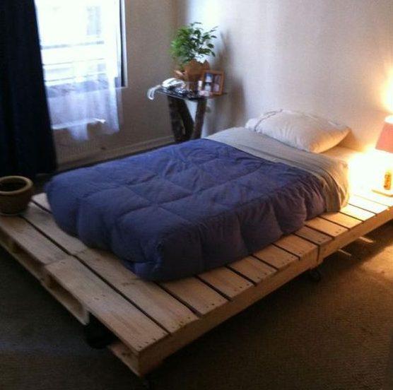 23-diy-pallet-bed-designs (16)