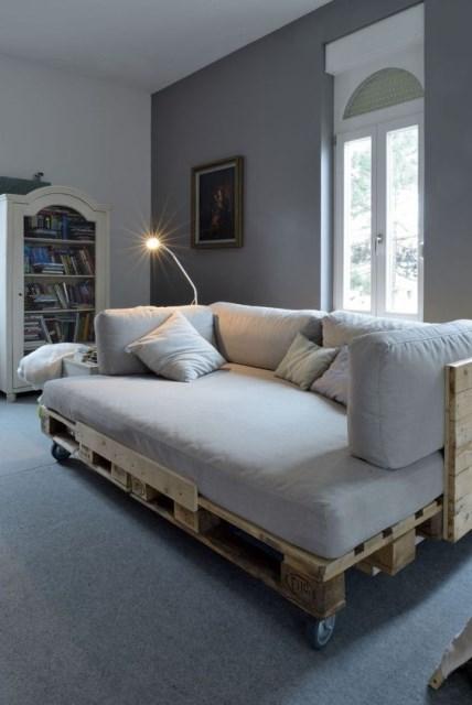 23-diy-pallet-bed-designs (8)