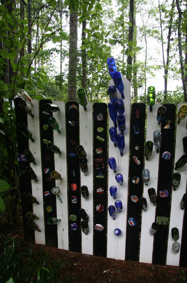 25-garden-fence-decorations (3)