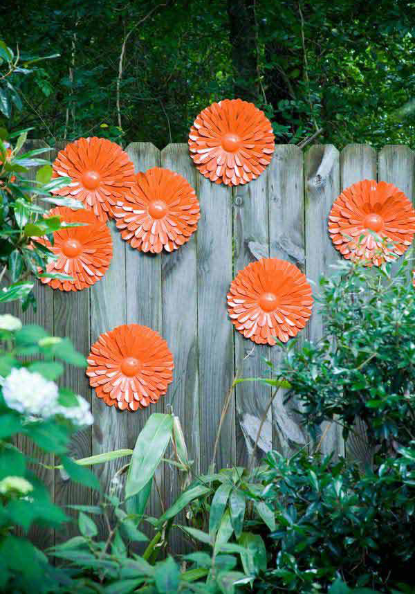 25-garden-fence-decorations (4)