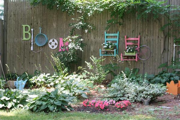 25-garden-fence-decorations (5)