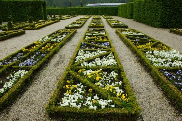 25 ideas for the garden with shrubs (19)