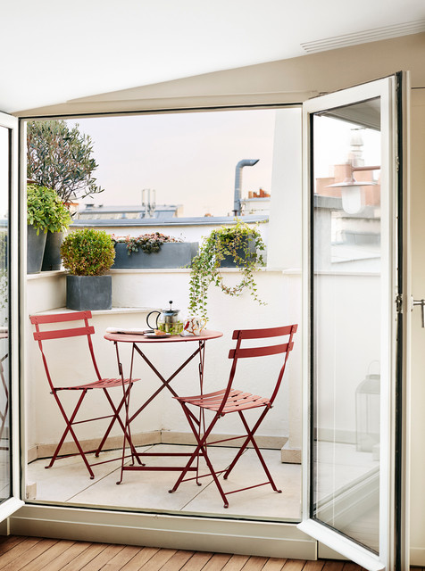 26-small-balcony-designs-in-traditional-style (12)