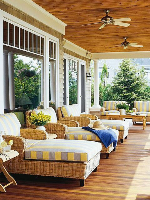 26-small-balcony-designs-in-traditional-style (15)