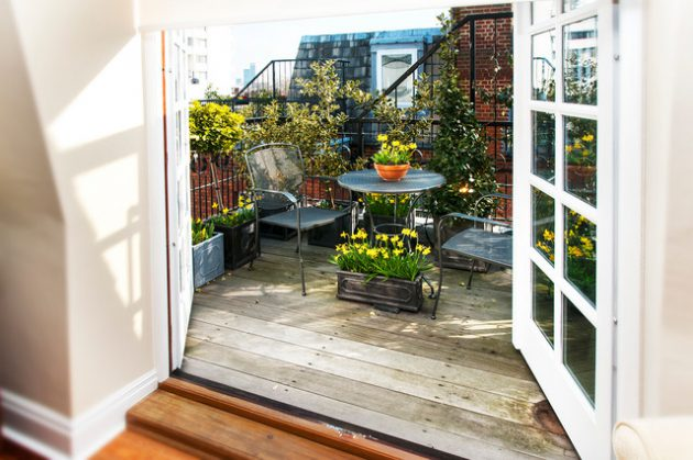 26-small-balcony-designs-in-traditional-style (24)