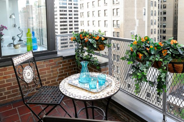 26-small-balcony-designs-in-traditional-style (25)