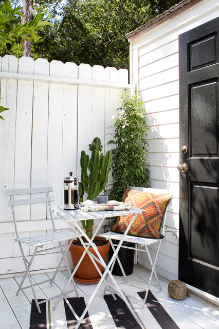 26-small-balcony-designs-in-traditional-style (7)