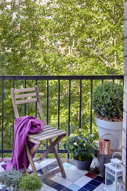 26-small-balcony-designs-in-traditional-style (9)