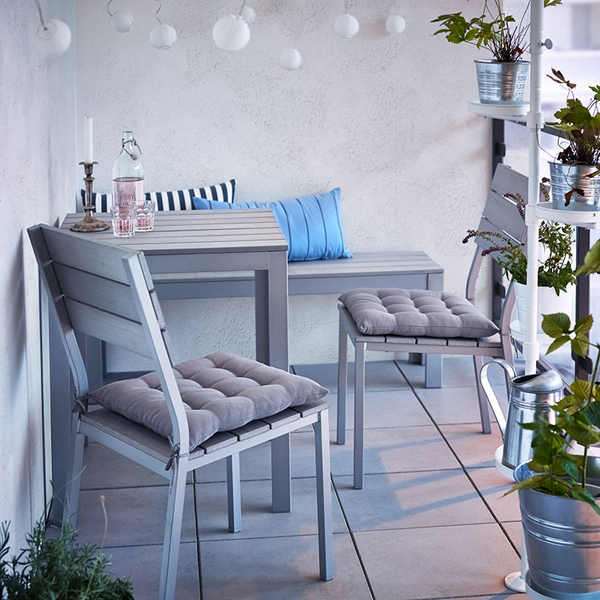 27-relaxing-outdoor-furniture-with-Green-space (13)