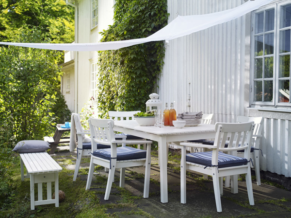 27-relaxing-outdoor-furniture-with-Green-space (14)