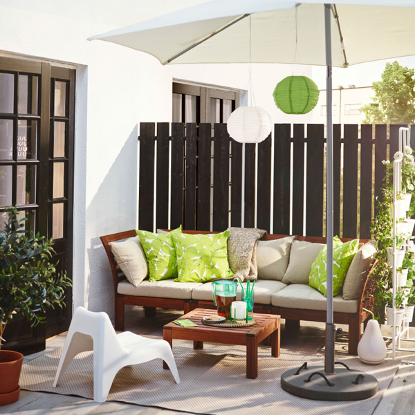 27-relaxing-outdoor-furniture-with-Green-space (3)