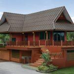 แบบบ้านทรงไทยประยุกต์ โทนสีปูนแดง ความงามที่อยู่เหนือกาลเวลา