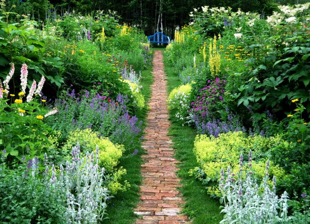 34-ideas-to-make-garden-paradise-in-your-yard (10)