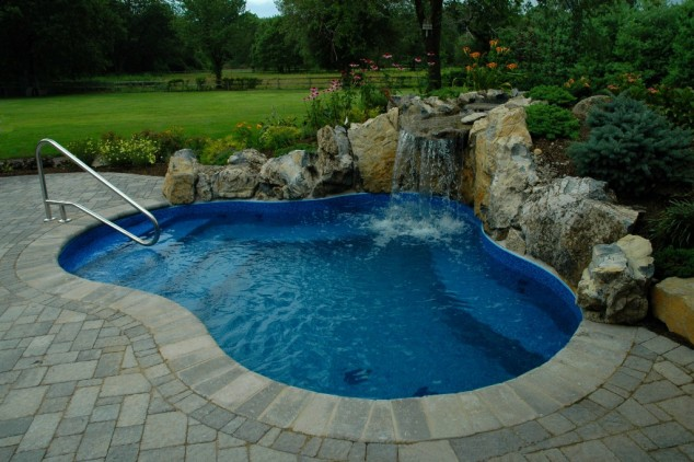 39 backyard pool ideas (10)
