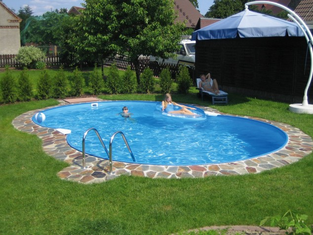 39 backyard pool ideas (6)