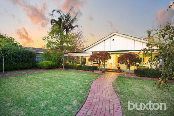 4-bedroom-white-california-bungalow (11)