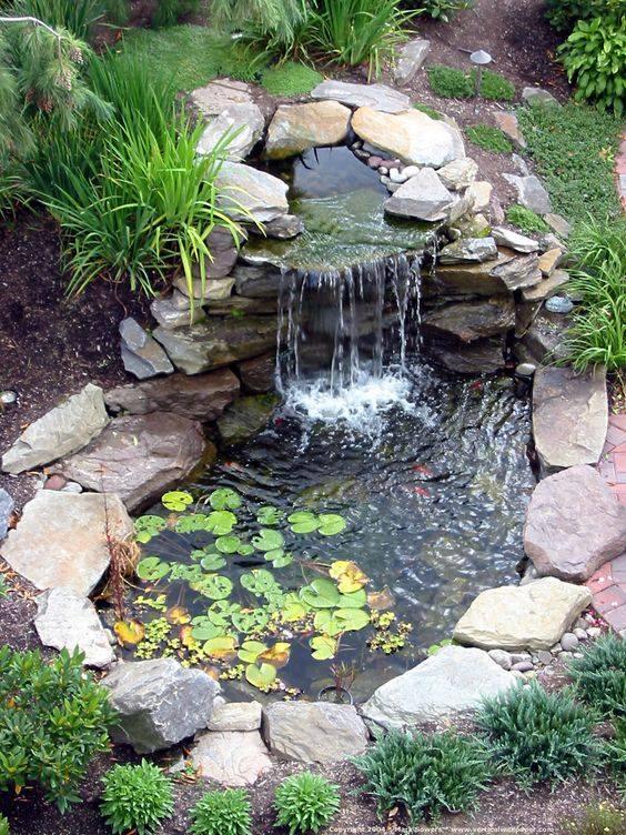46 beautiful fish pond ideas (33)