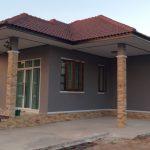 Review : สร้างบ้านชั้นเดียว งบประมาณ 850,000 บาท หลังคาทรงปั้นหยา มาในโทนสีดำสุดเท่