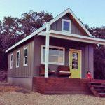 บ้านกระท่อมคอทเทจขนาดเล็ก 1 ห้องนอน พร้อมชั้นใต้หลังคา เหมาะกับบ้านสวน รวมทั้งรีสอร์ทก็เข้าที