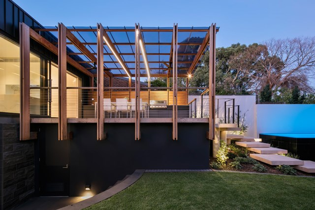Modern home With outdoor relaxation area (8)