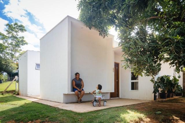Modern home minimalist style with garden (10)