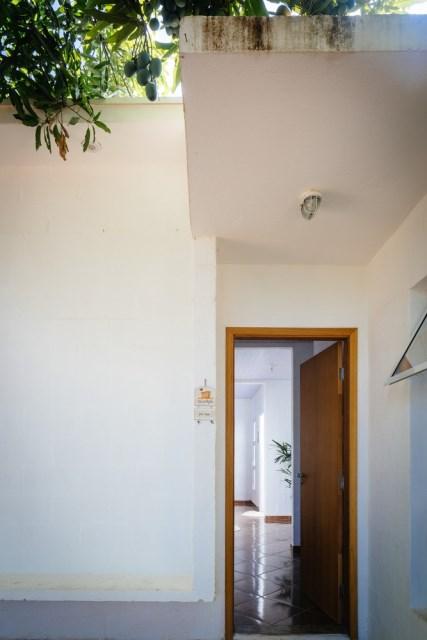 Modern home minimalist style with garden (11)