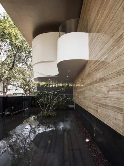 Modern house Beautiful shapes decorated with natural (1)