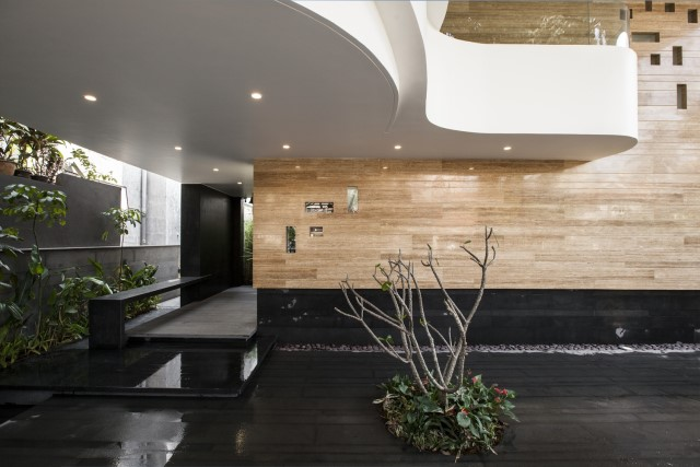 Modern house Beautiful shapes decorated with natural (3)