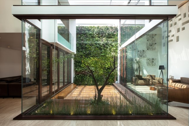 Modern house Beautiful shapes decorated with natural (7)