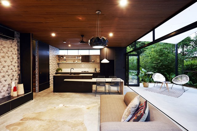 Modern house Small size and nature (13)