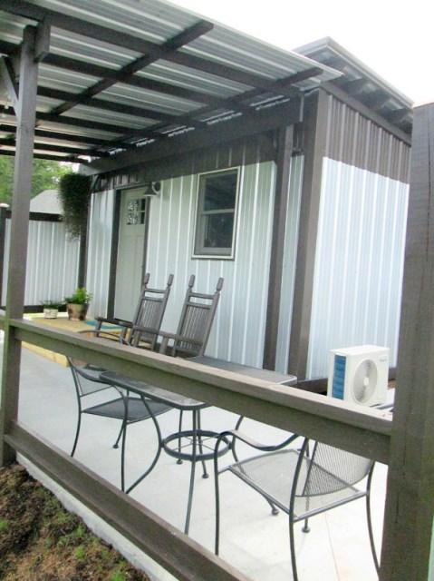 Modern house metalsheet design with 1 bedroom (11)