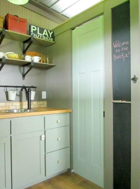 Modern house metalsheet design with 1 bedroom (4)