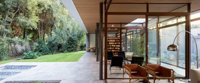 Modern house modern materials between nature (13)