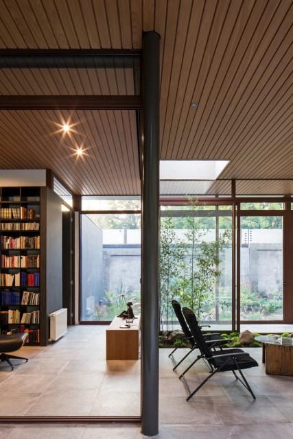 Modern house modern materials between nature (14)