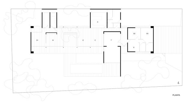 Modern house modern materials between nature (5)