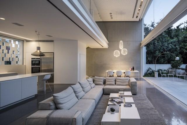 Modern house white tone (6)