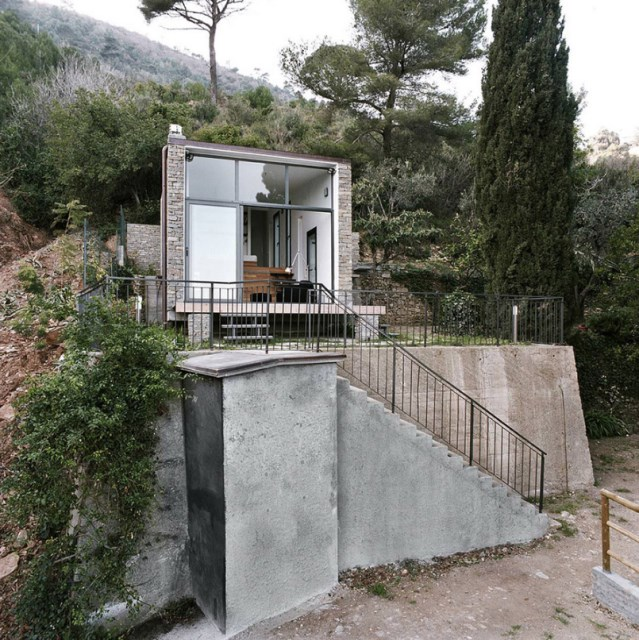 Modern villa house small and compact on the hill (11)