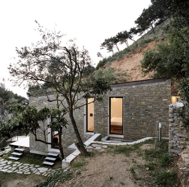 Modern villa house small and compact on the hill (5)