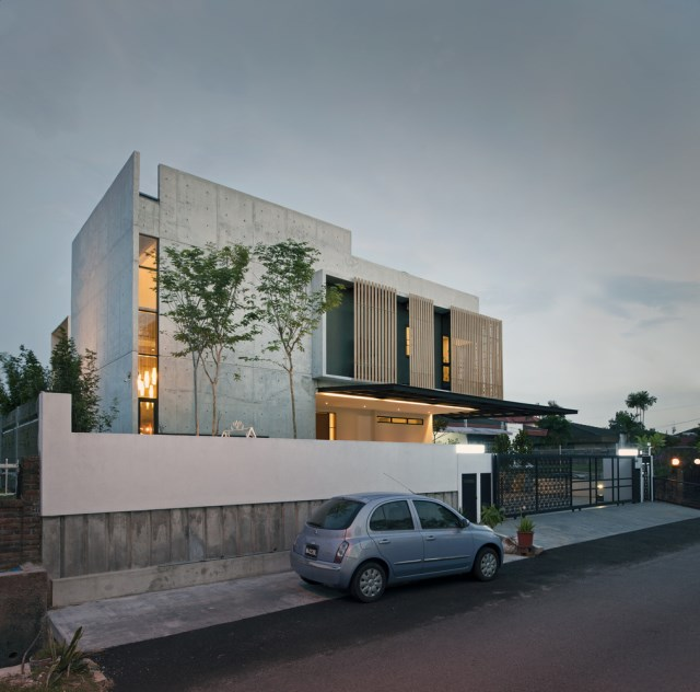 Modern villas with swimmimg pool Decoratedcement and wood (26)