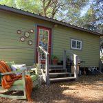 บ้านสวนขนาดเล็ก โทนสีเขียวพาสเทล 1 ห้องนอน 1 ห้องน้ำ อยู่ในงบไม่เกิน 2 แสนบาท
